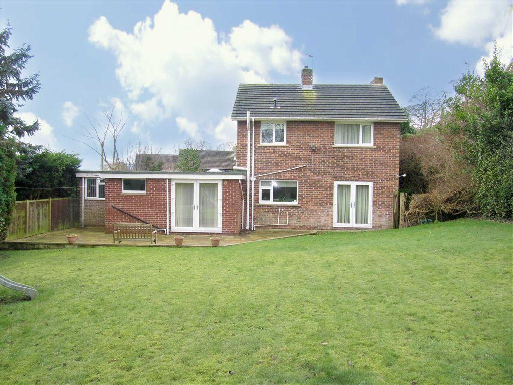 3 Bedrooms Detached House for sale in Trenance Gardens, Halifax