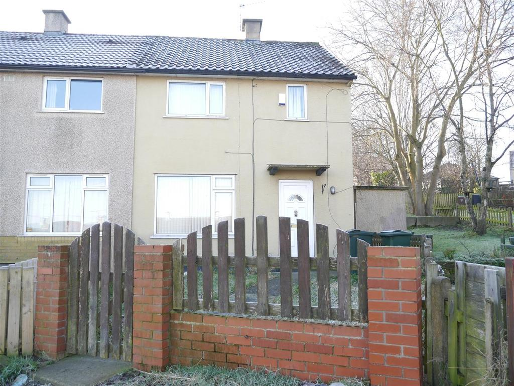 3 Bedrooms Semi Detached House for sale in Sandholme Drive, Thorpe Edge, Bradford, BD10 8EY