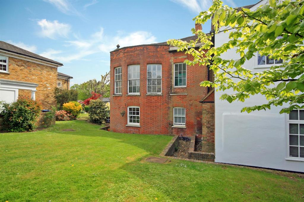 2 Bedrooms Apartment Flat for sale in Thunder Court, Ware