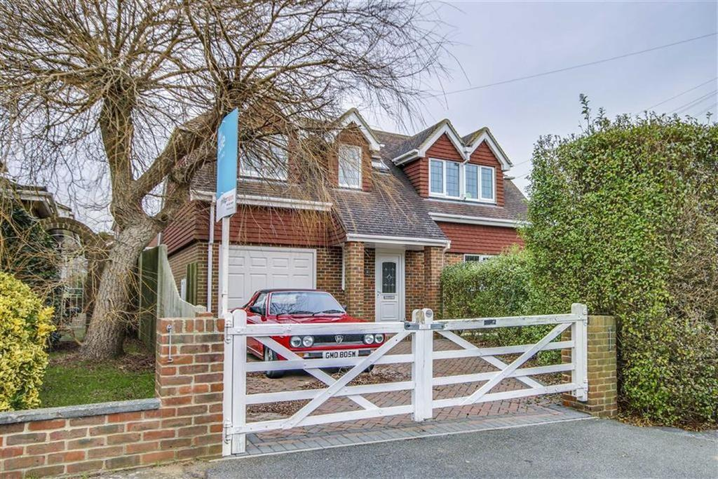 4 Bedrooms Detached House for sale in Rustic Road, Peacehaven