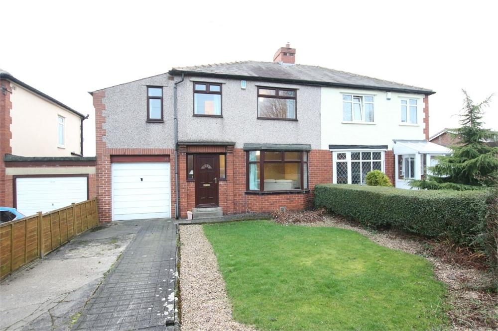 4 Bedrooms Semi Detached House for sale in Moorland Drive, Birkenshaw, West Yorkshire