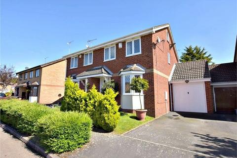 3 bedroom semi-detached house for sale - Abbey Drive, ABBOTS LANGLEY, Hertfordshire