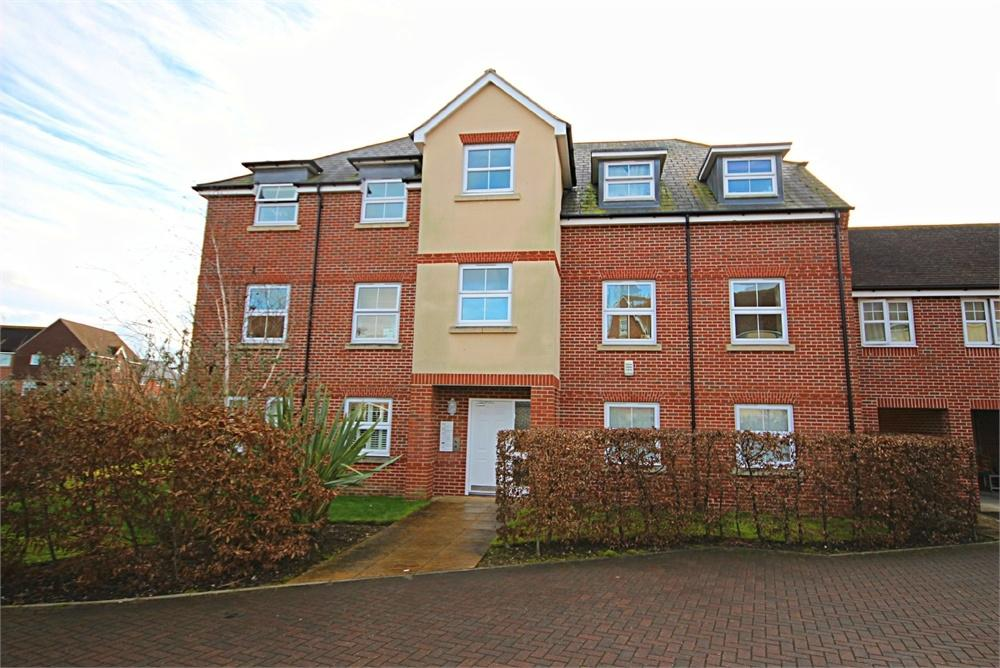 2 Bedrooms Flat for sale in Woodpecker Place, Bracknell, Berkshire