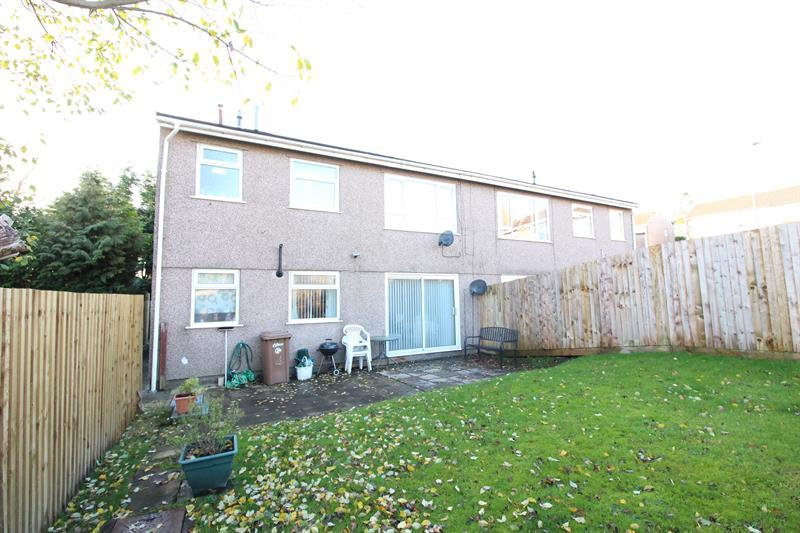 2 Bedrooms Flat for sale in Bryn Owain, Caerphilly