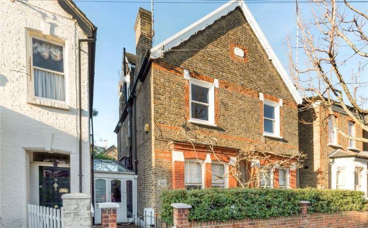 5 Bedrooms Detached House for sale in Henning Street, Battersea, London, SW11