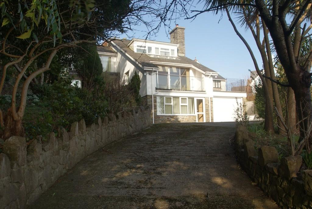 4 Bedrooms Detached House for sale in South Road   Newton Abbot   TQ12 1HQ