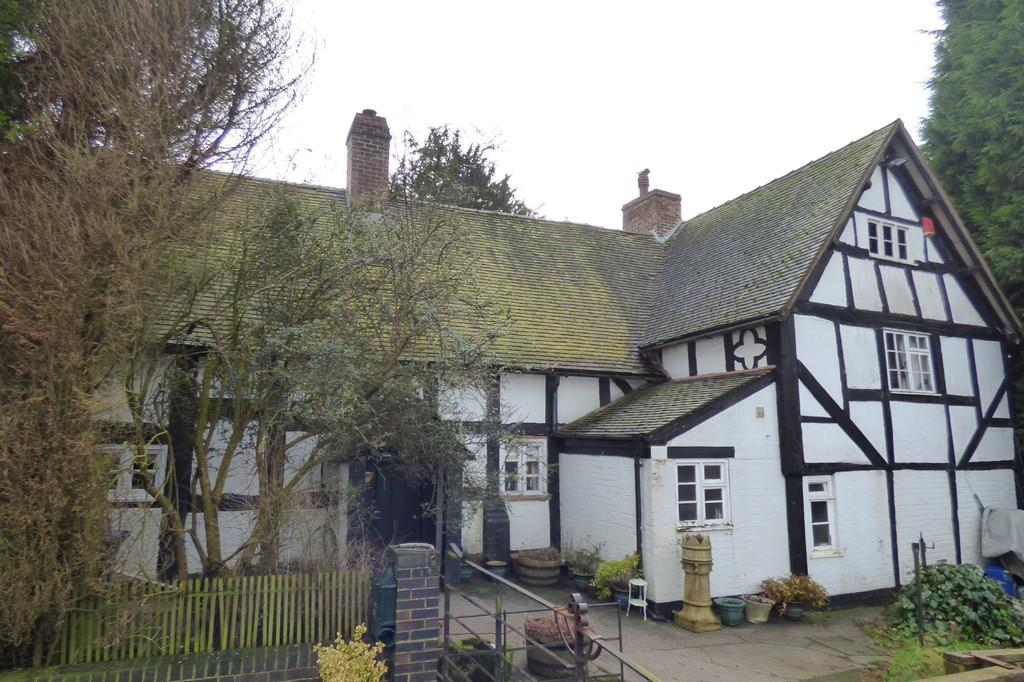 5 Bedrooms Detached House for sale in Uttoxeter Road, Kingstone, Uttoxeter, Staffordshire, ST14 8QH