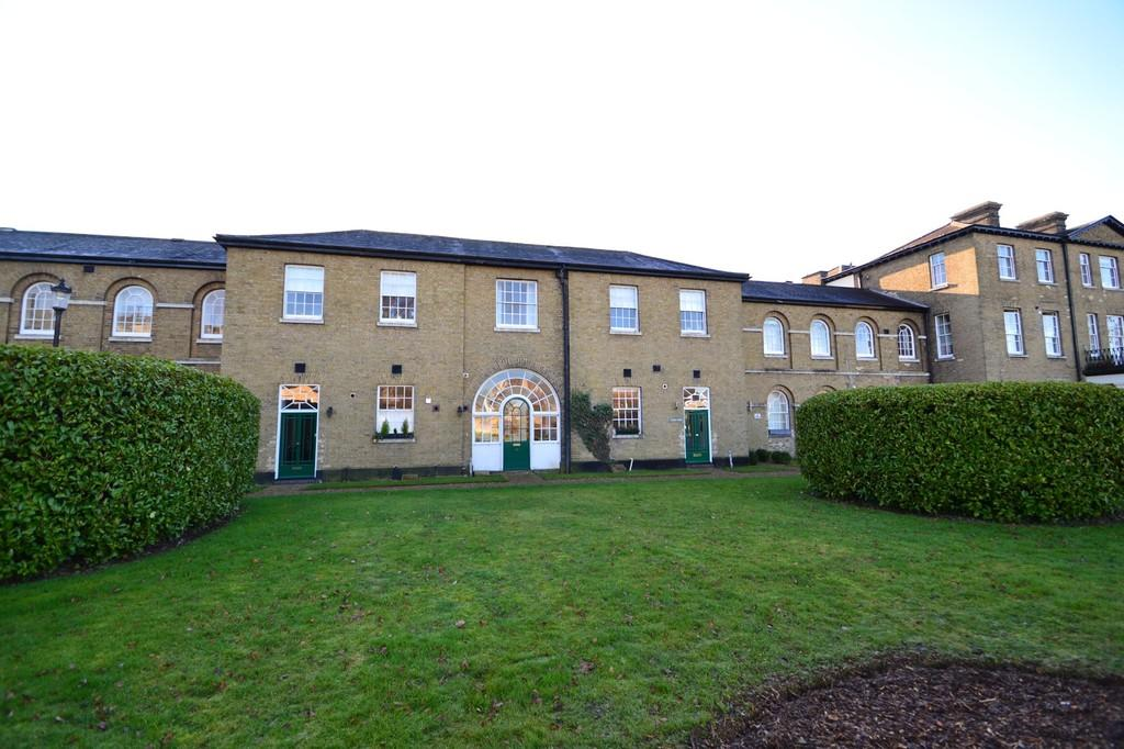 2 Bedrooms Terraced House for sale in St Andrew's Park, Thorpe St Andrew