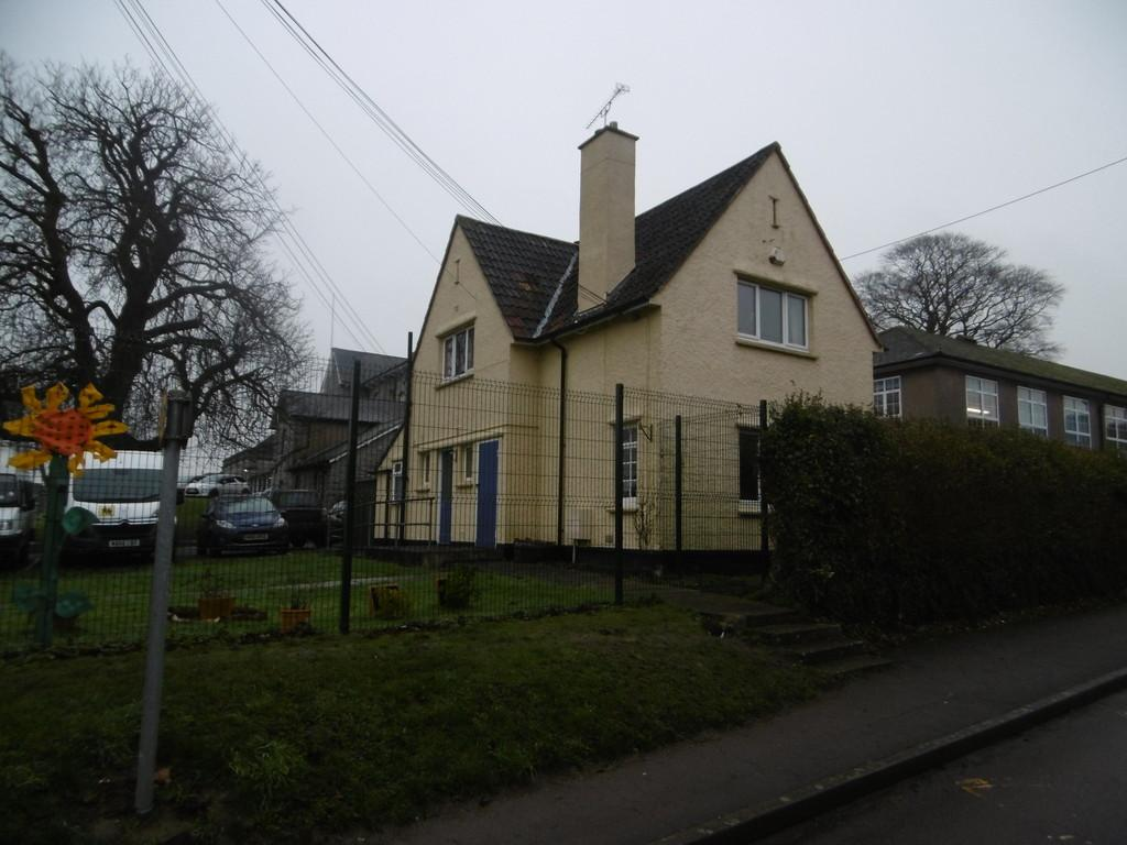 Detached House for sale in Caretakers Cottage, 19 Elmhurst Lane
