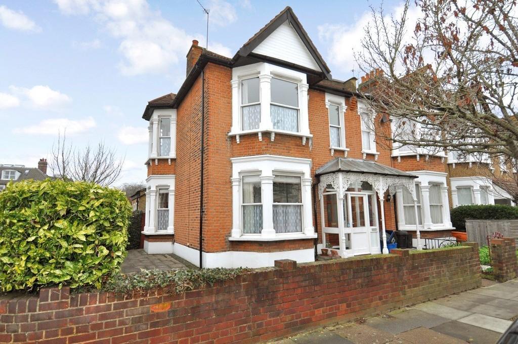 3 Bedrooms End Of Terrace House for sale in Dover Road, Aldersbrook