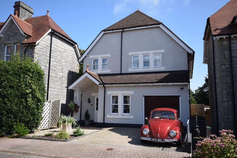 4 Bedrooms Detached House for sale in 28 Preswylfa Court, Bridgend