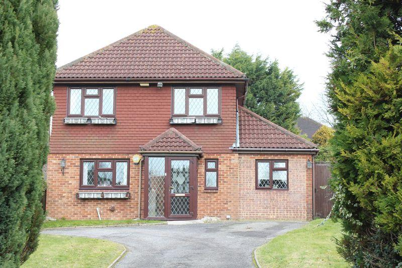 4 Bedrooms Detached House for sale in Ridge Langley, Sanderstead, Surrey