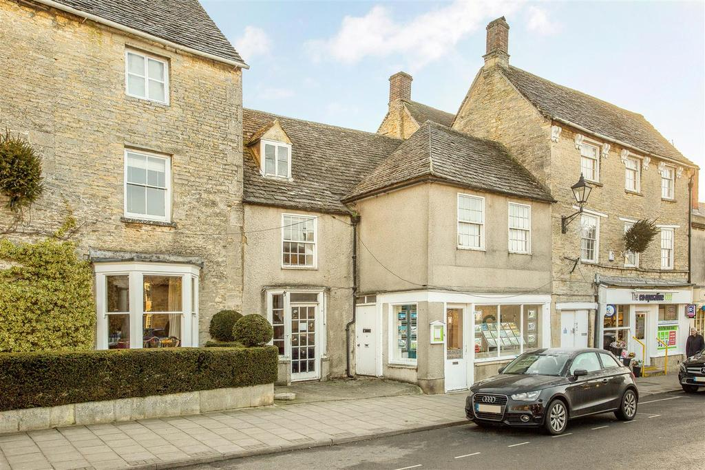 3 Bedrooms Terraced House for sale in Market Place, Fairford