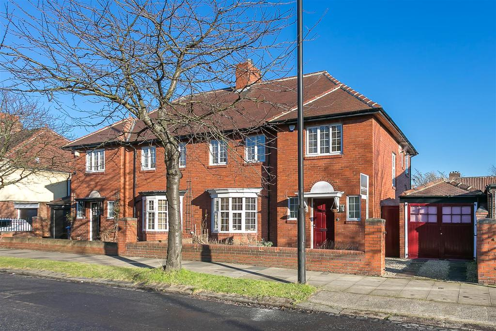 3 Bedrooms Semi Detached House for sale in Wingrove Road, Fenham, Newcastle upon Tyne