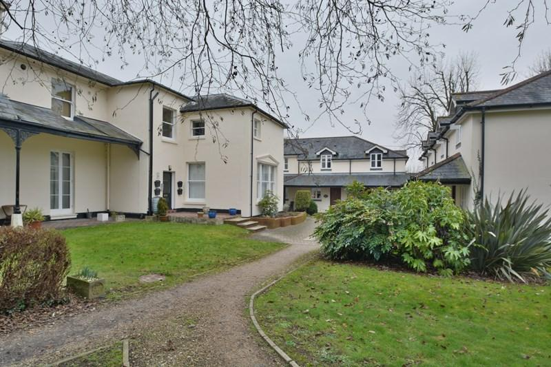 2 Bedrooms Terraced House for sale in Lodge Drive, Weyhill, Andover