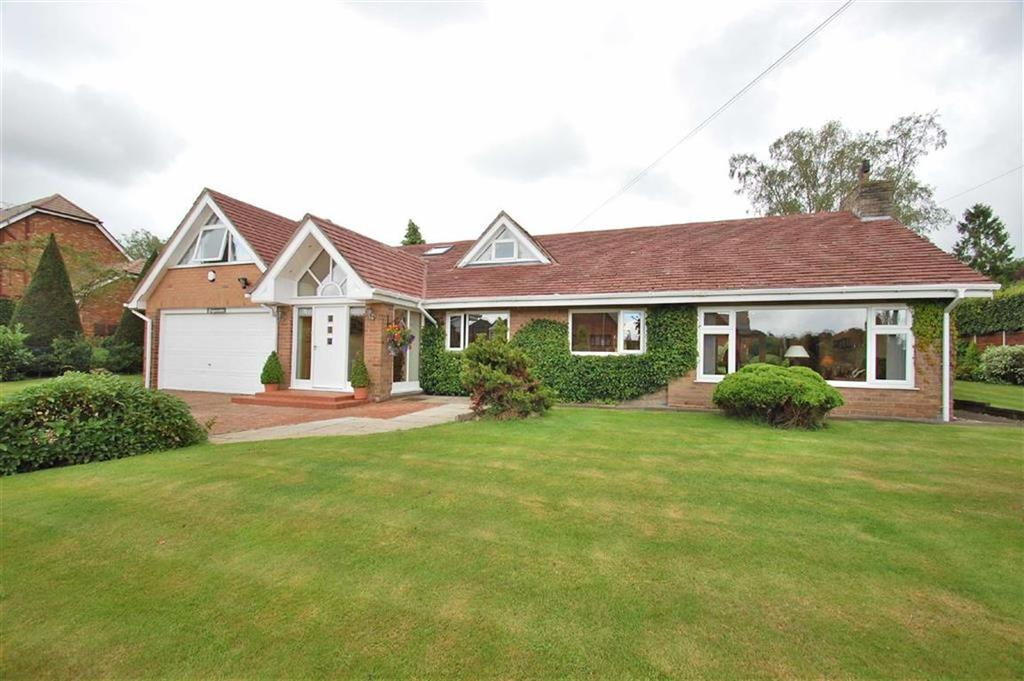 4 Bedrooms Detached Bungalow for sale in South Park Drive, Poynton, Cheshire