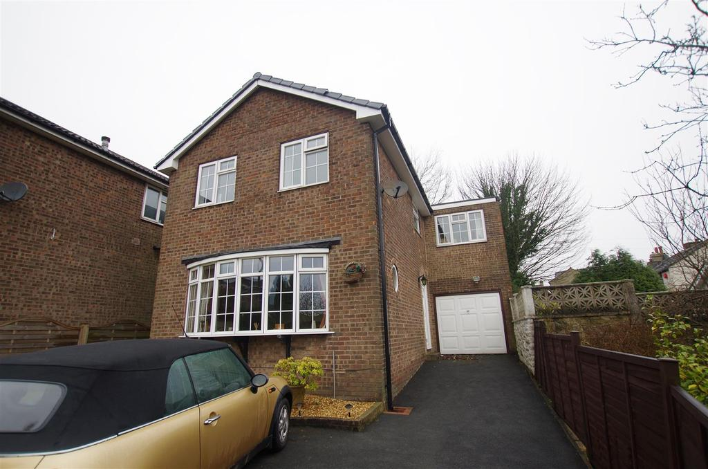 4 Bedrooms Detached House for sale in Mayfair Avenue, Sowood, Halifax
