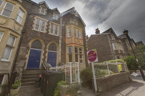 2 bedroom flat to rent - Christchurch Road, Clifton
