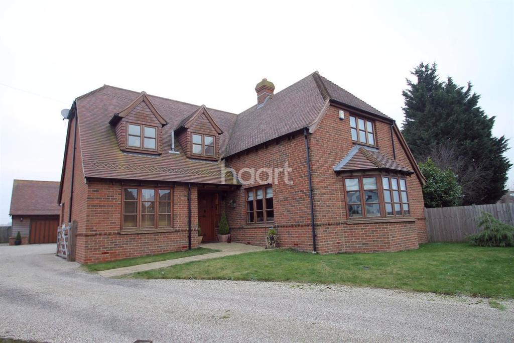 4 Bedrooms Detached House for sale in Burnham Road, Latchingdon