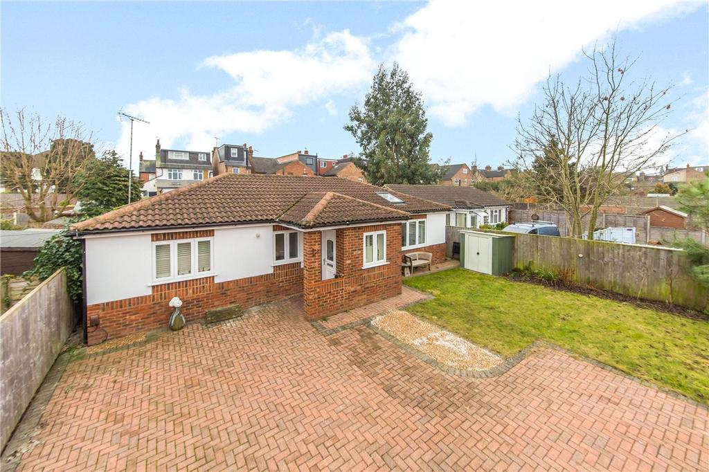 2 Bedrooms Detached Bungalow for sale in College Road, St. Albans, Hertfordshire