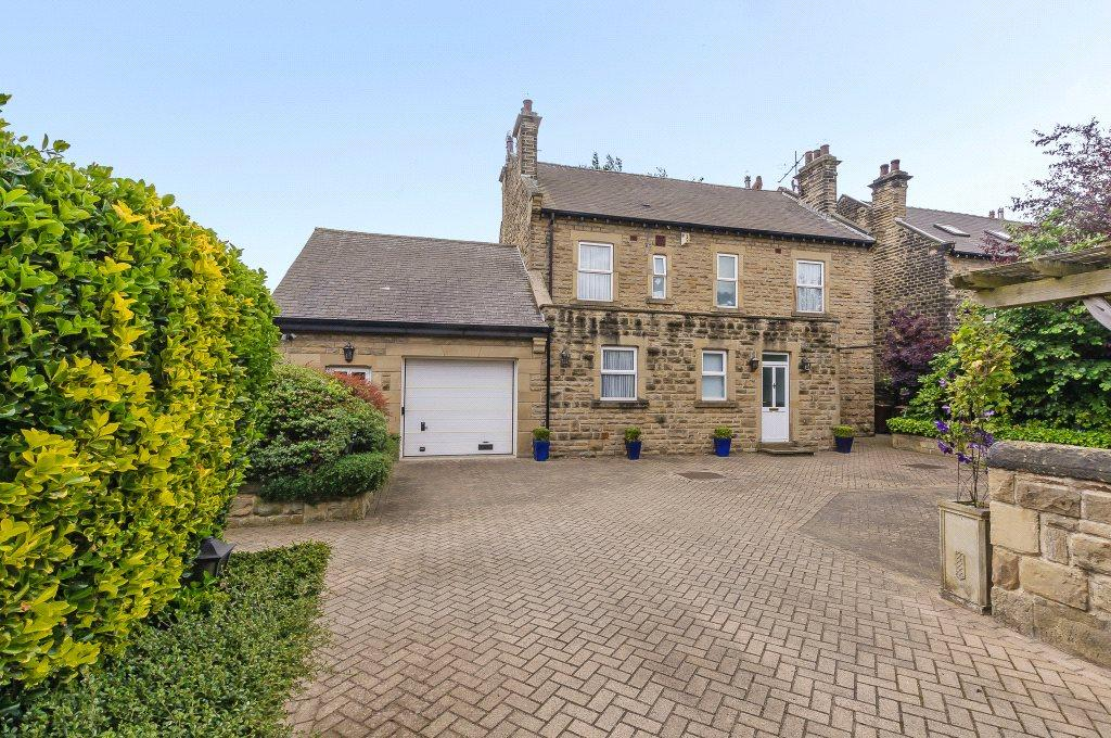 4 Bedrooms Detached House for sale in Wakefield Road, Ackworth, Pontefract, West Yorkshire, WF7