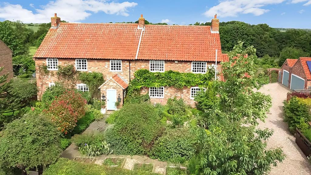4 Bedrooms Detached House for sale in Main Road, Alverton