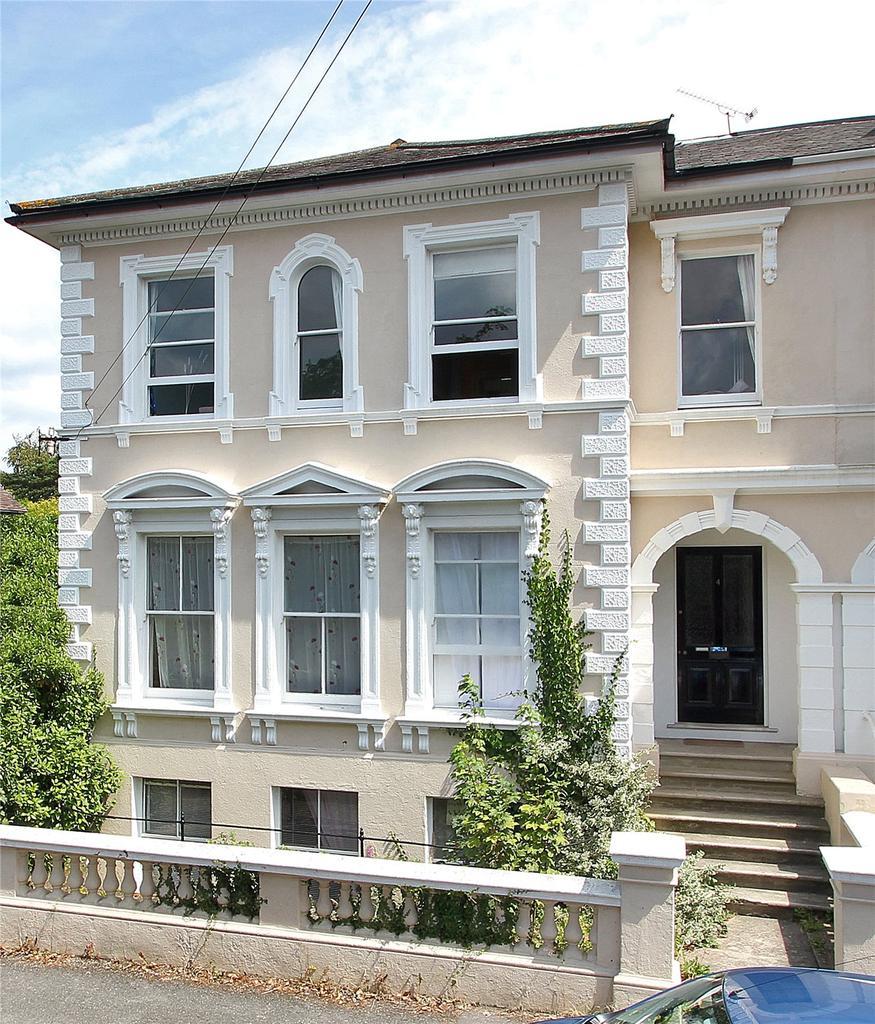 2 Bedrooms Flat for sale in St Johns Road, Sevenoaks, Kent, TN13