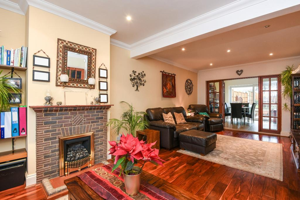 4 Bedrooms Terraced House for sale in Earlshall Road Eltham SE9