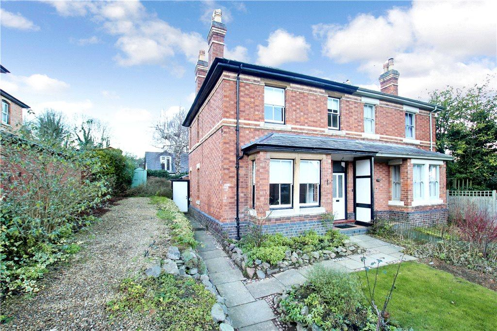 3 Bedrooms Semi Detached House for sale in Hornyold Avenue, Malvern, Worcestershire, WR14
