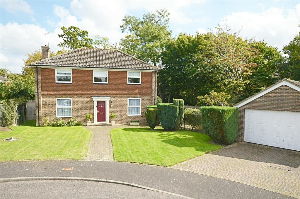 4 Bedrooms Detached House for sale in Kiln Field, Tenterden