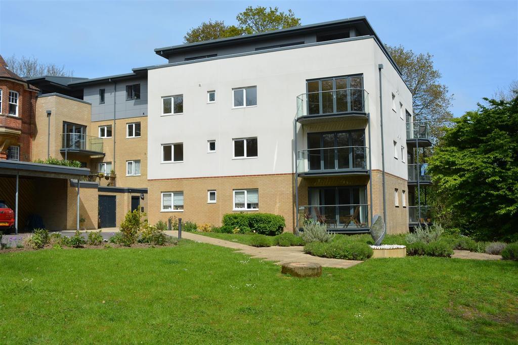2 Bedrooms Apartment Flat for sale in Grange Road, Hastings