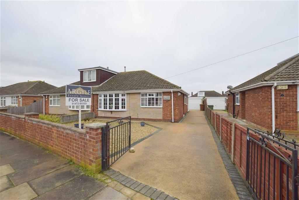3 Bedrooms Bungalow for sale in Irby Court, Cleethorpes, North East Lincolnshire