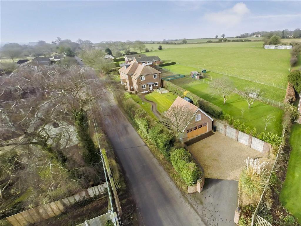 4 Bedrooms Detached House for sale in Tarrant Keynston, Blandford Forum