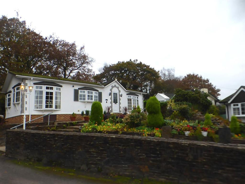 2 Bedrooms House for sale in GrEENHEDGES, BrYNCOCH