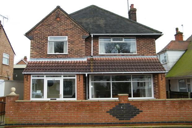 4 Bedrooms Detached House for sale in Roseberry Avenue, Skegness, Lincolnshire, PE25