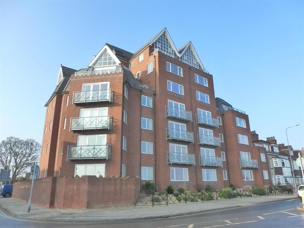 2 Bedrooms Apartment Flat for sale in The Waterfront, Cleethorpes