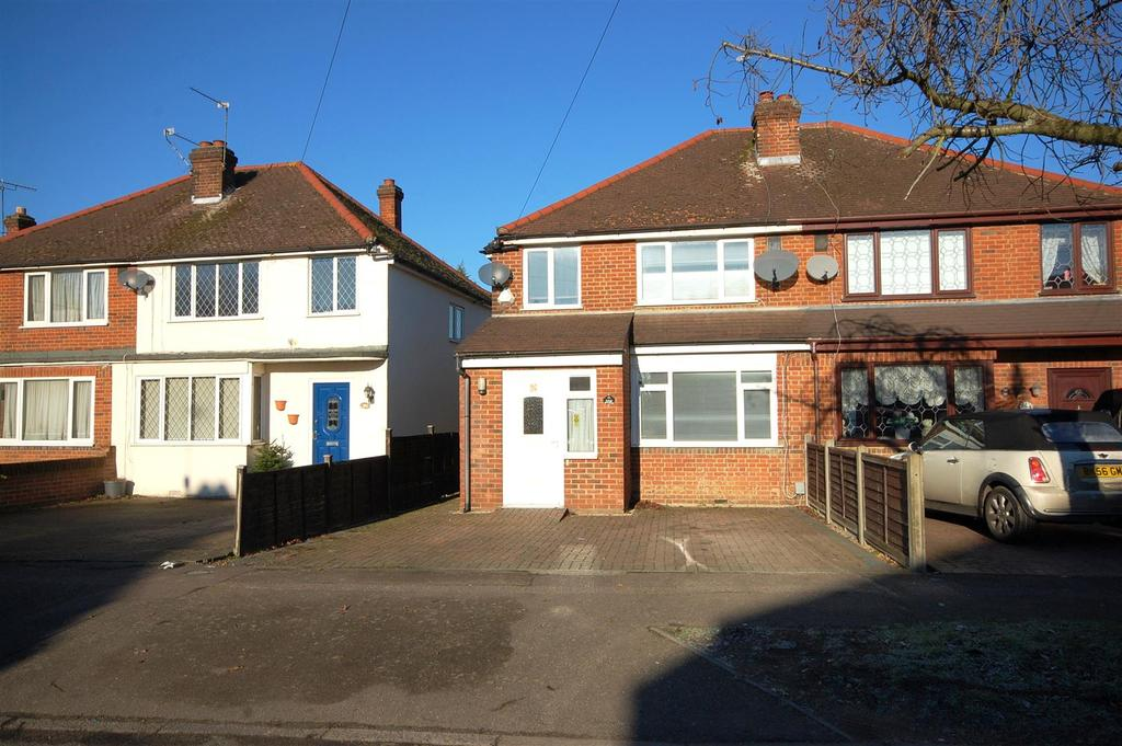 3 Bedrooms Semi Detached House for sale in Crawford Road, Hatfield
