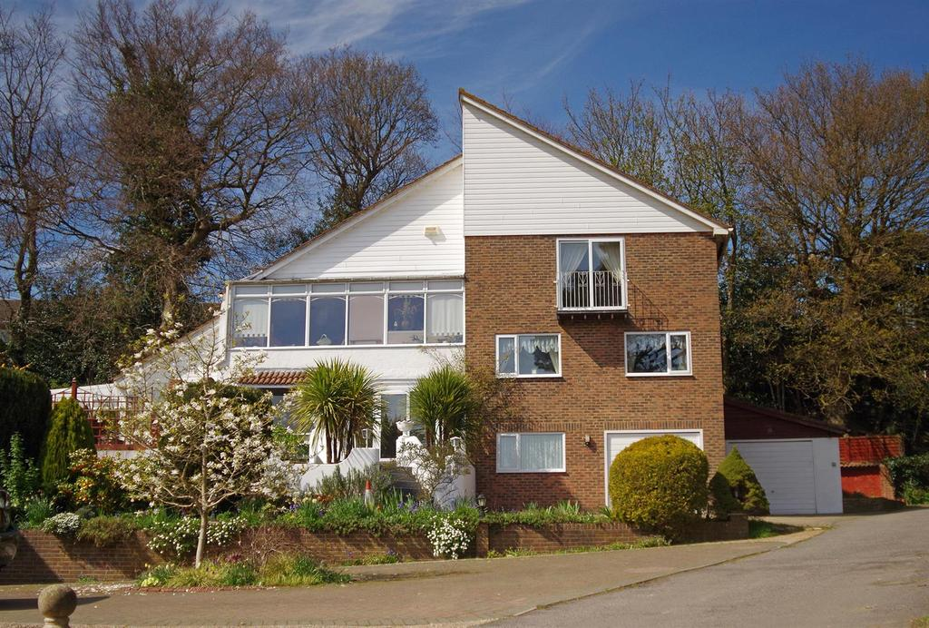 6 Bedrooms Detached House for sale in The GablesHillside Road, Hastings