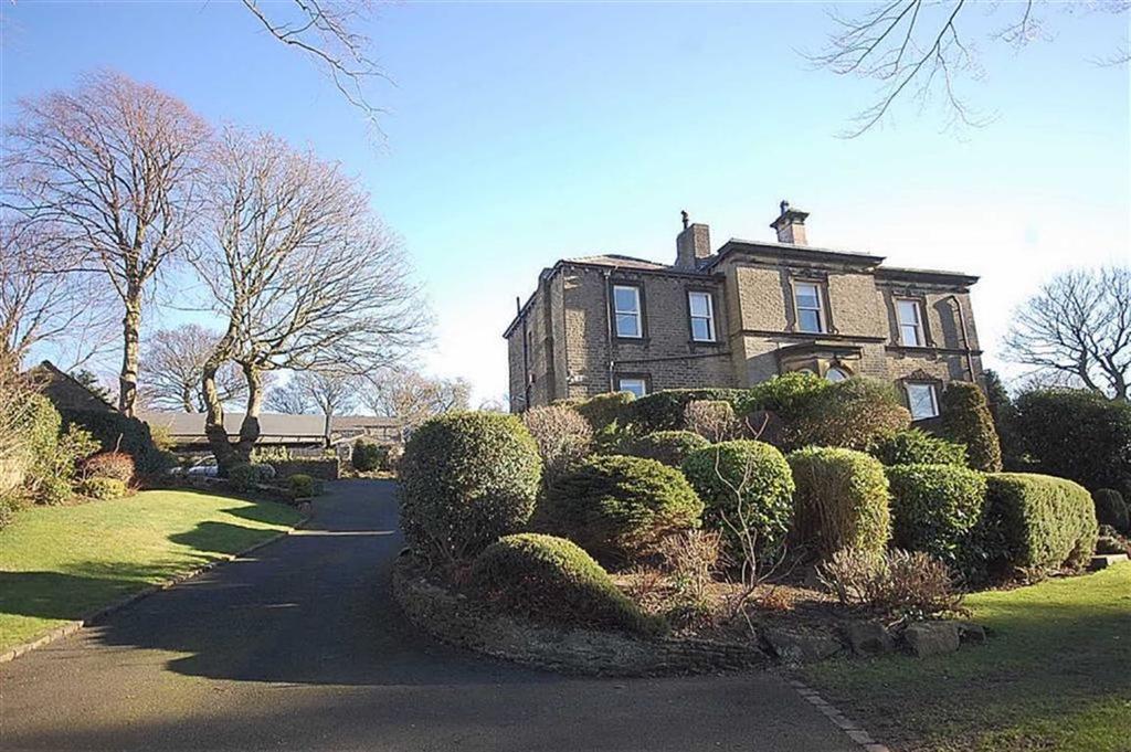 4 Bedrooms End Of Terrace House for sale in Field Head, Netherton Fold, Netherton, HD4