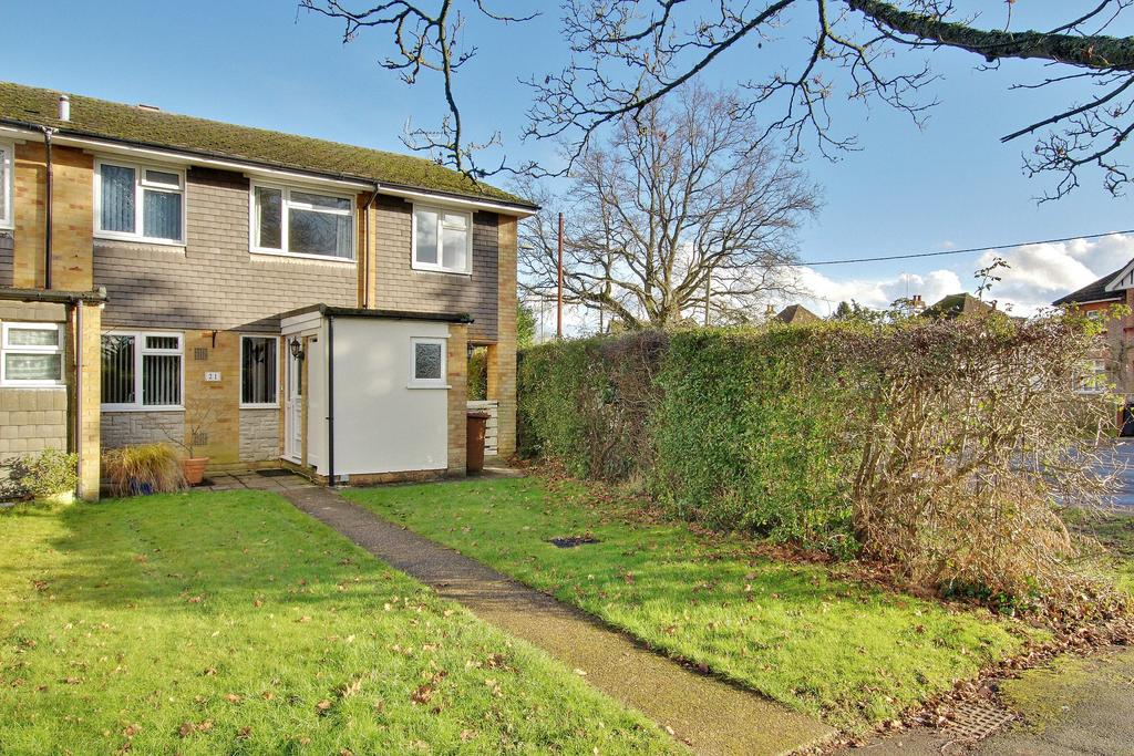 4 Bedrooms Semi Detached House for sale in ROMSEY