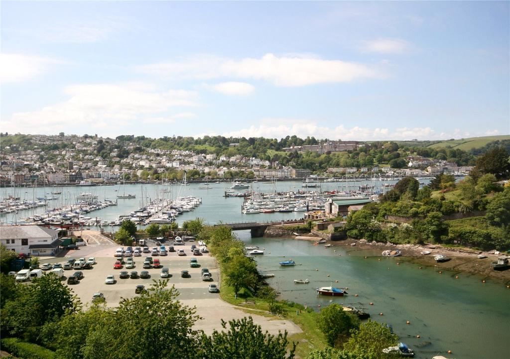 4 Bedrooms Apartment Flat for sale in Marina Court, Lower Contour Road, Kingswear, Dartmouth, TQ6