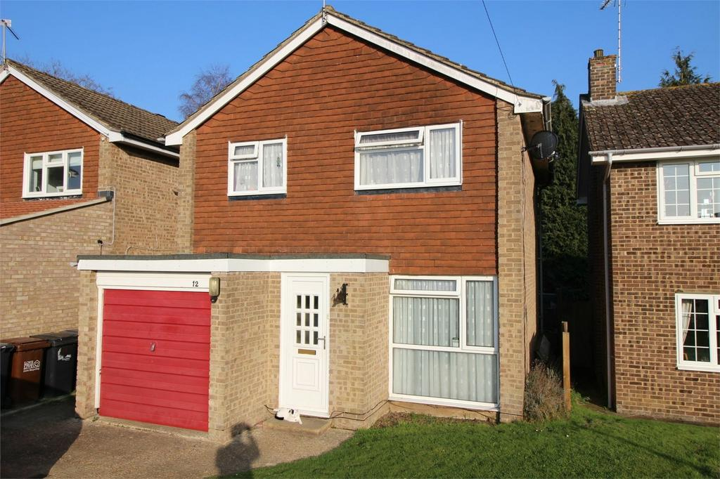 3 Bedrooms Detached House for sale in Scarletts Close, Uckfield, East Sussex