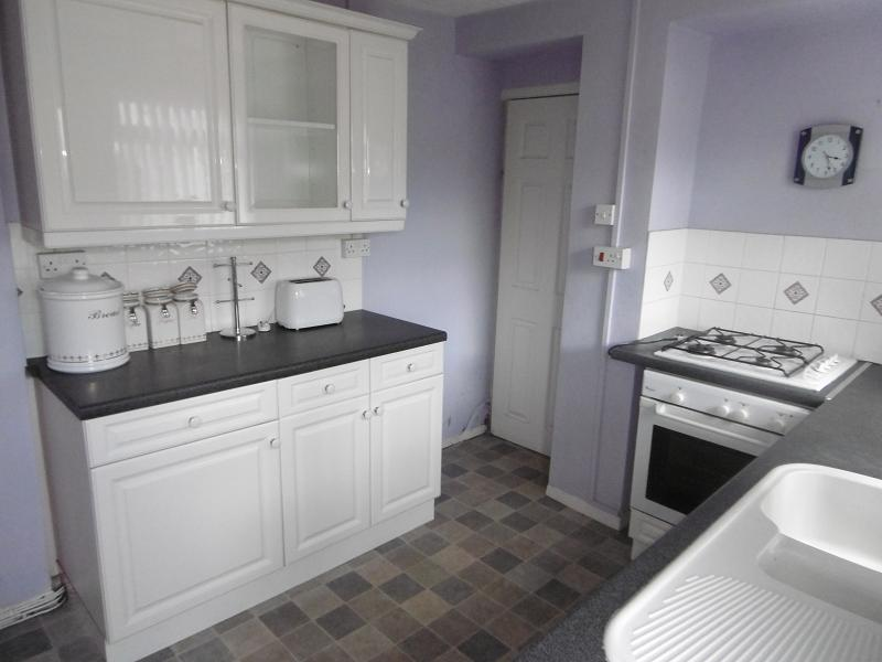 3 Bedrooms Terraced House for sale in John Street, Resolven, Neath, Neath Port Talbot.
