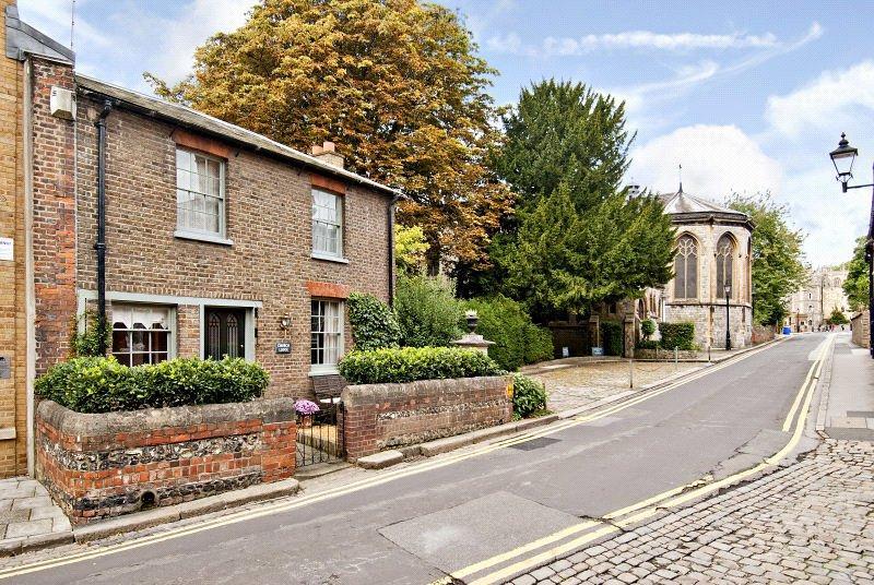 4 Bedrooms Semi Detached House for sale in St. Albans Street, Windsor, Berkshire, SL4