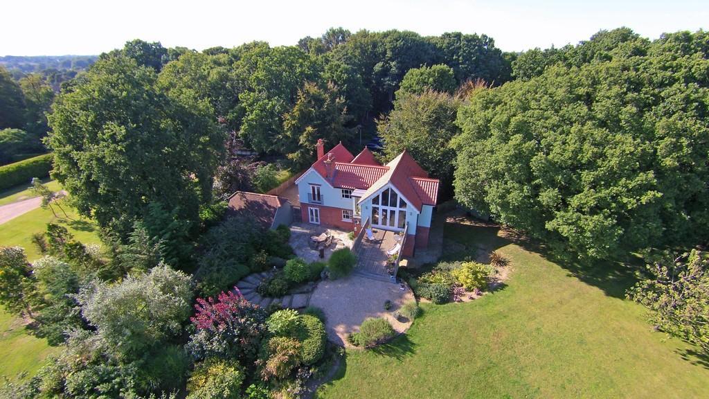 4 Bedrooms Detached House for sale in Little Bealings, Woodbridge