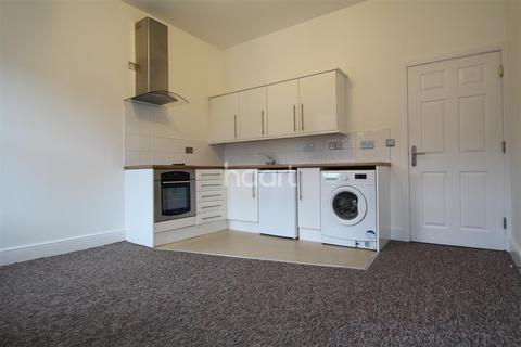 1 bedroom flat to rent - Crompton Street