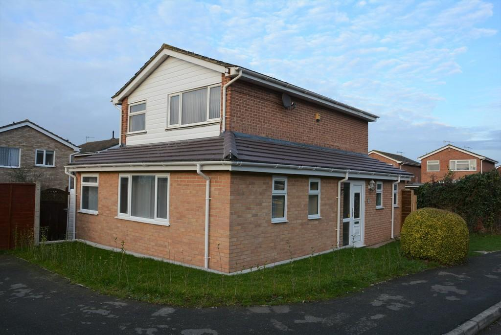 3 Bedrooms Detached House for sale in Walsh Close, Weston-super-Mare