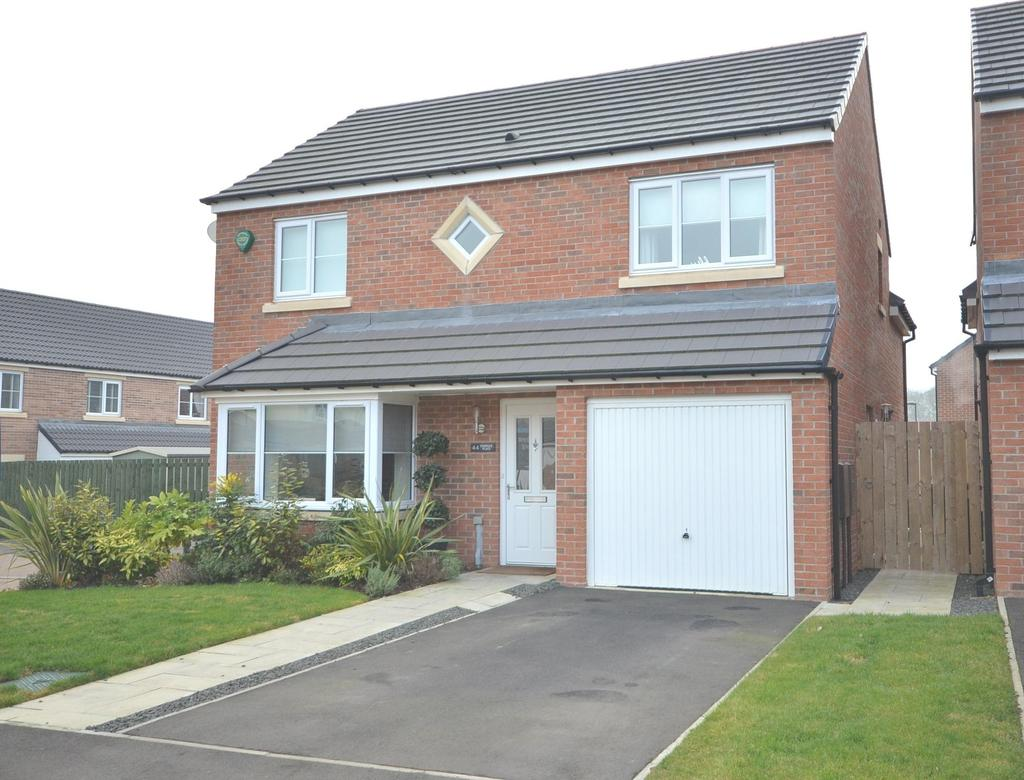 4 Bedrooms Detached House for sale in Five Mile Park