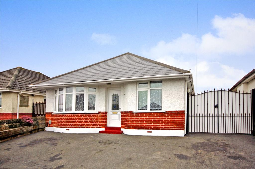 3 Bedrooms Detached Bungalow for sale in Daws Avenue, Wallisdown, Bournemouth, Dorset, BH11