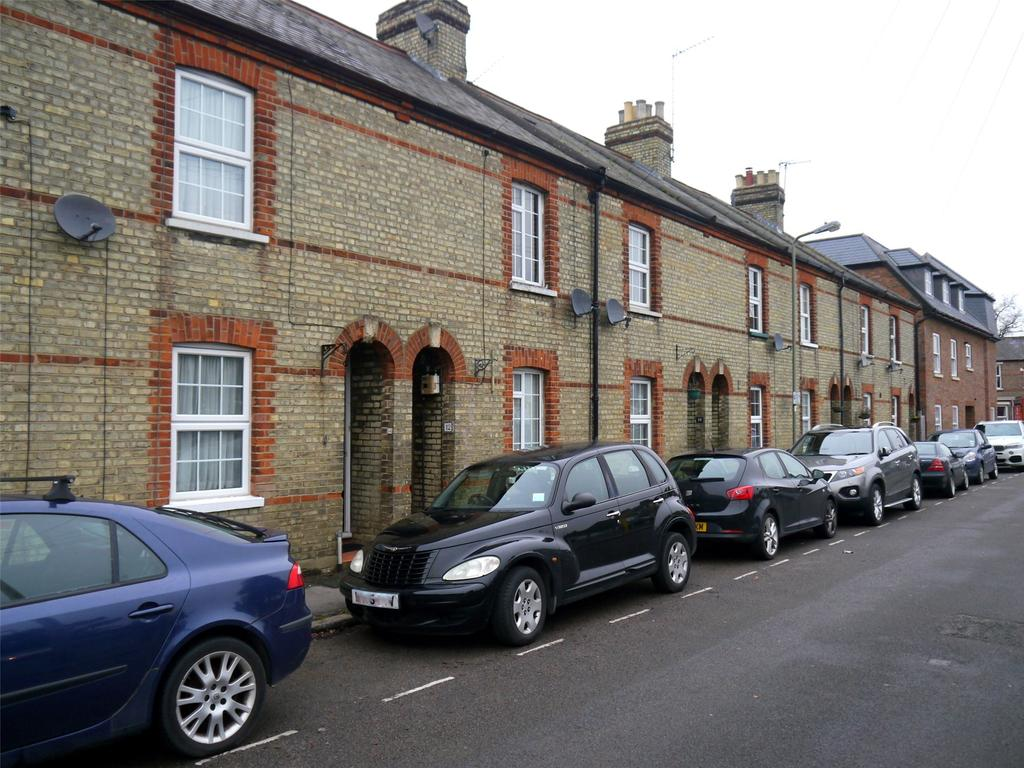 2 Bedrooms Terraced House for sale in Chipping Close, High Barnet, Herts, EN5